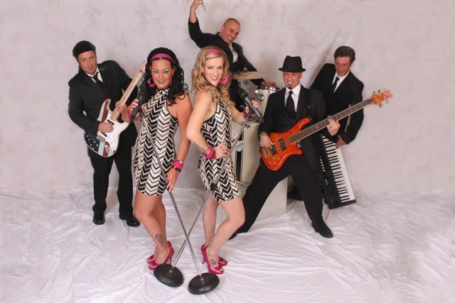 ​The Diva Show Band
